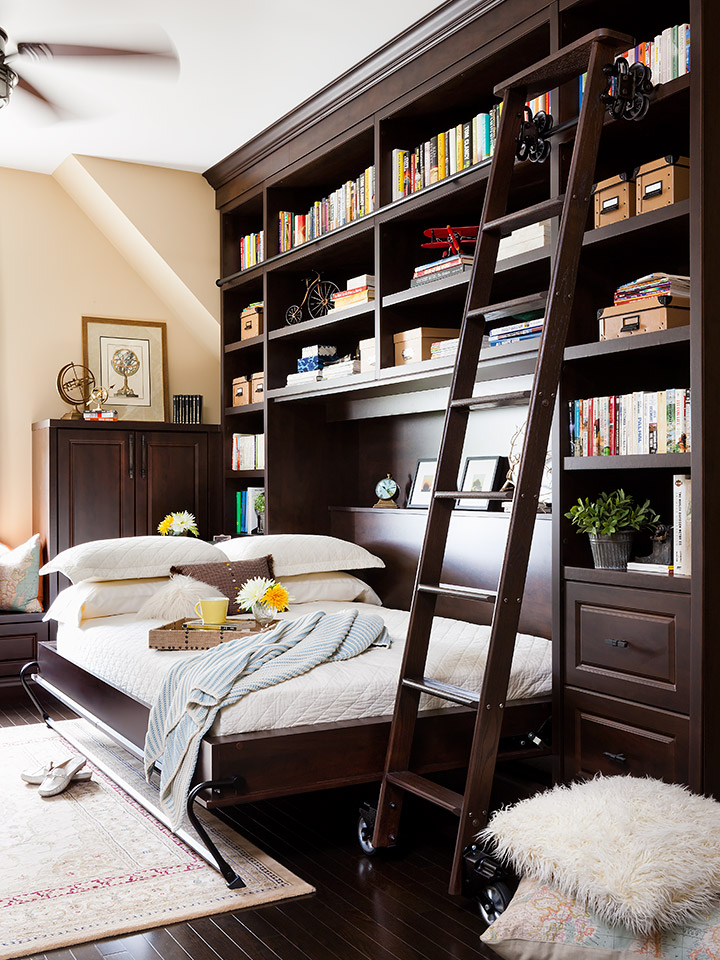 Home Library Ladder: Dual Purpose Guest Room Ideas With Wall Beds