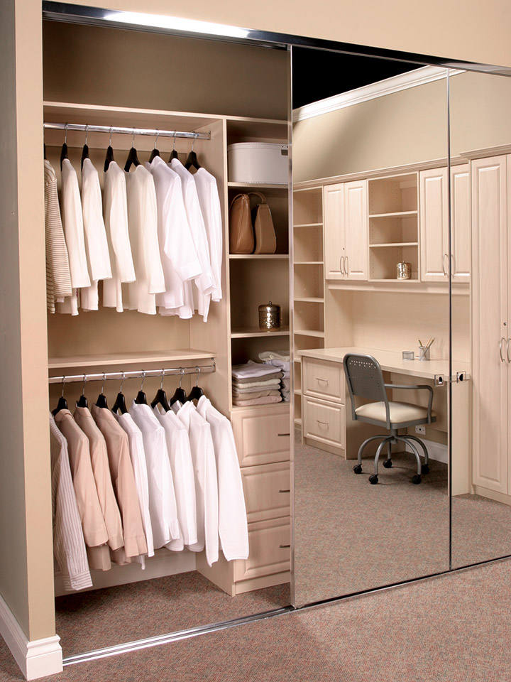 Find Out How These Closet Door Ideas Will Improve Your Bedroom Space