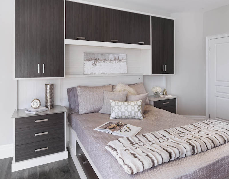 Canadian home organization company, bed surround