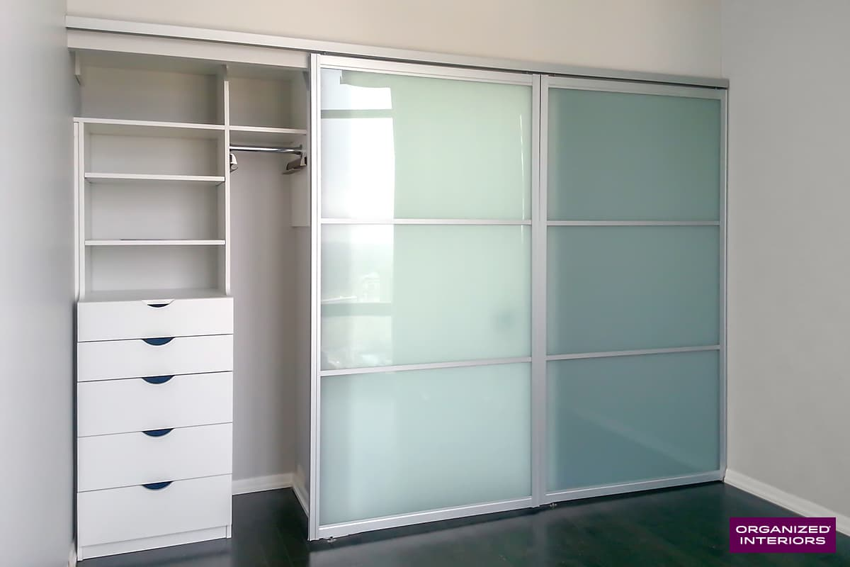 sliding closet doors in bedroom