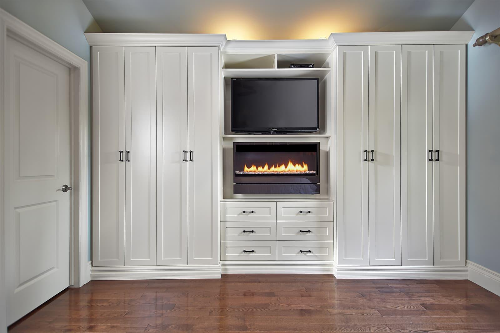 Superb Wardrobe Closets Organized Interiors Home Interior And Landscaping Dextoversignezvosmurscom
